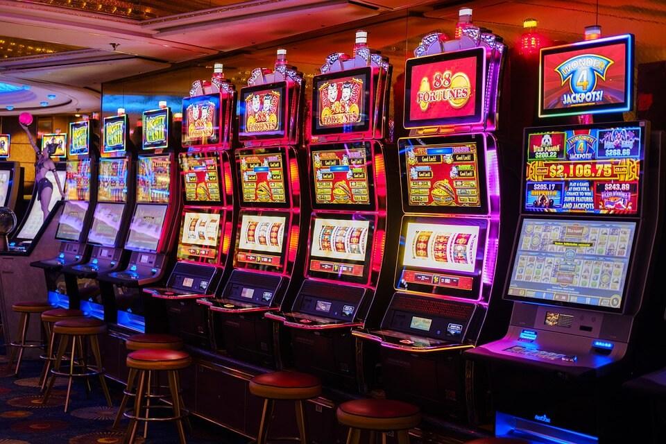 how to win slot machine in casino